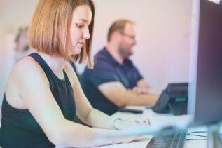 So kommst du in vier Schritten zu deinem ersten Blog-Artikel.